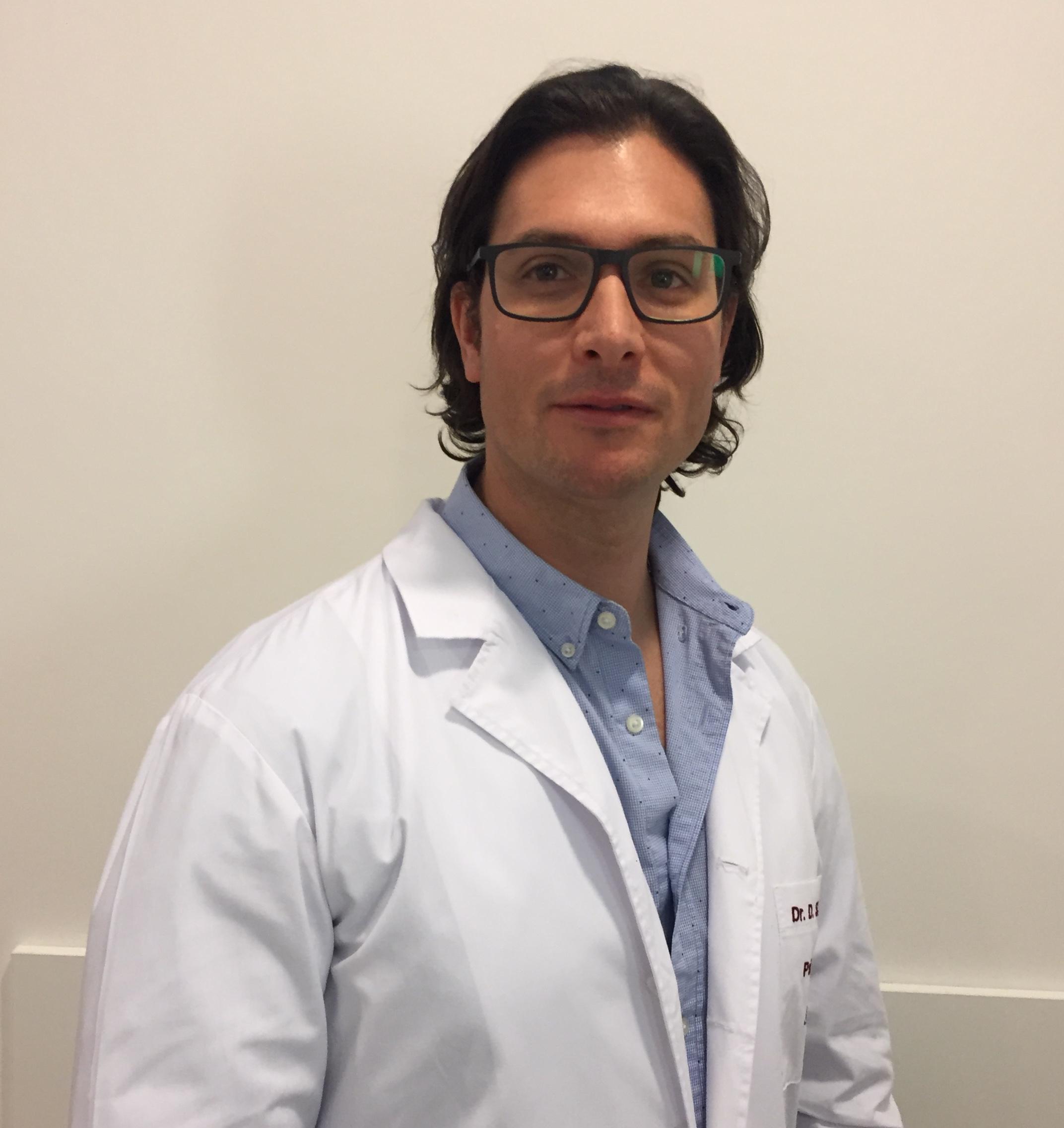 Dr. Acevedo Daniel